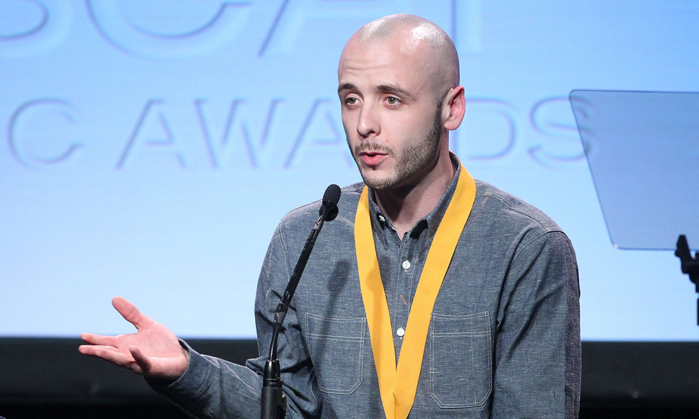 Rolling Stone: Noah 40 Shebib and his fight against Multiple Sclerosis (MS)