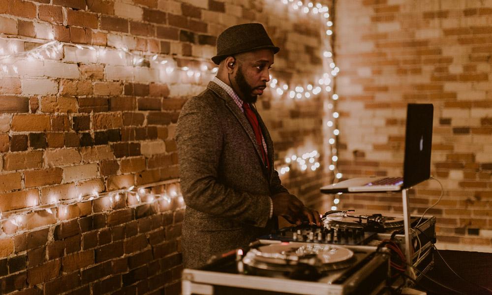 DJ Agile enlists soul singer Sacha Williamson for Alone Again