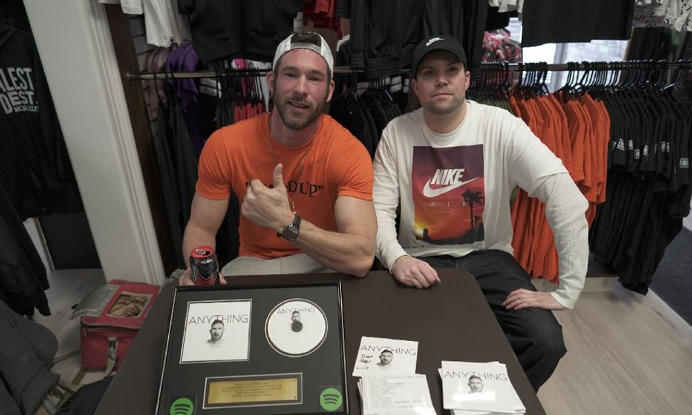Dave Mac celebrates Spotify plaque at Harley Gs with new video for Leader